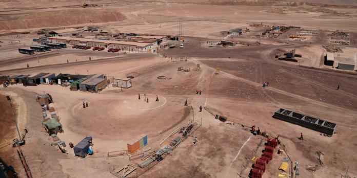 Minera Antucoya lanza innovador programa que podría flexibilizar los turnos mineros
