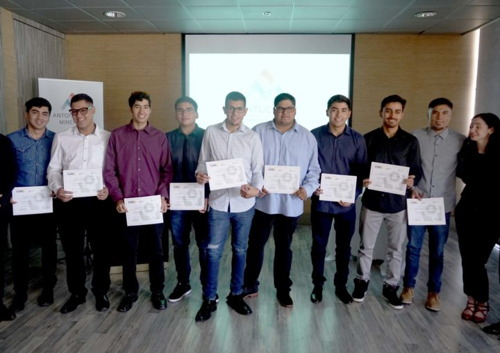 1° Piloto de prácticas laborales Eleva culmina con todos los jóvenes que cursaron el programa contratados en Minera Antucoya