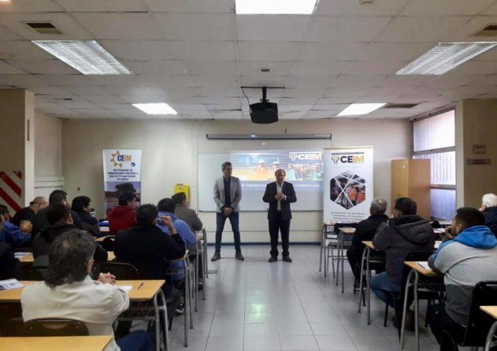 Con visita del Seremi de Transporte y Telecomunicaciones comenzó taller para conductores de Adutax