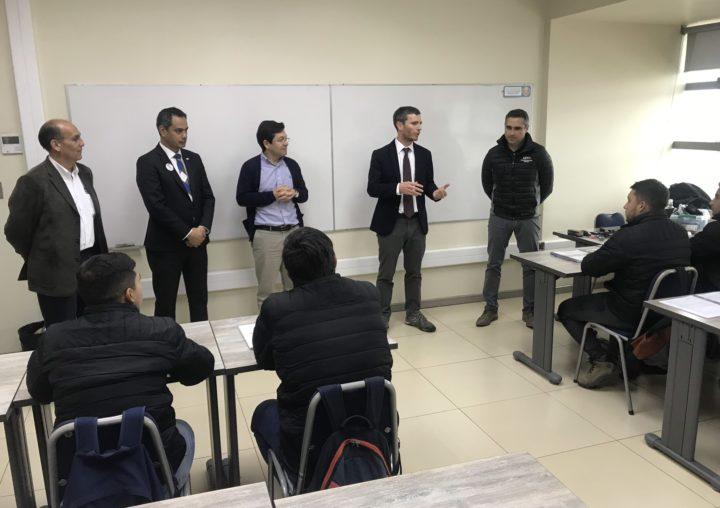 Director Nacional de Sence y autoridades regionales visitaron dependencias de Casa Matriz