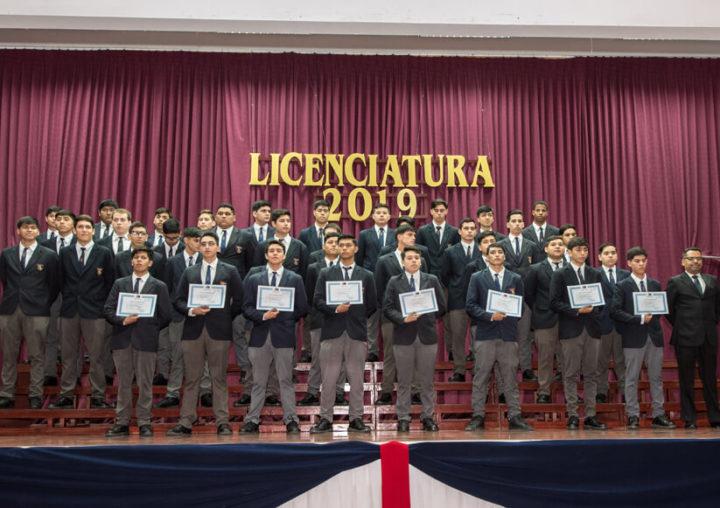 Más de 180 estudiantes del Colegio Técnico Industrial Don Bosco de Antofagasta recibieron su licencia de educación media